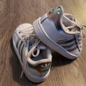 Adidas Kids Sz 7 Iridescent White Sneakers